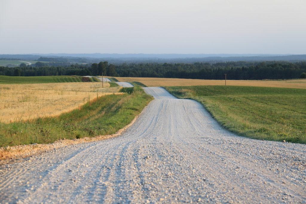 Строительство дороги из щебня с песчаной подушкой